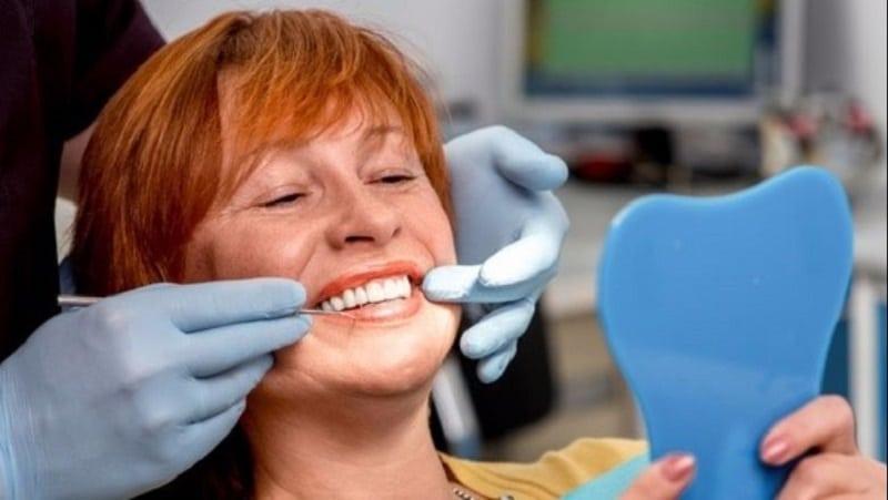 Quelle solution de prise en charge pour des implants dentaires