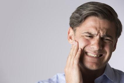 Comment calmer une inflammation des gencives ?